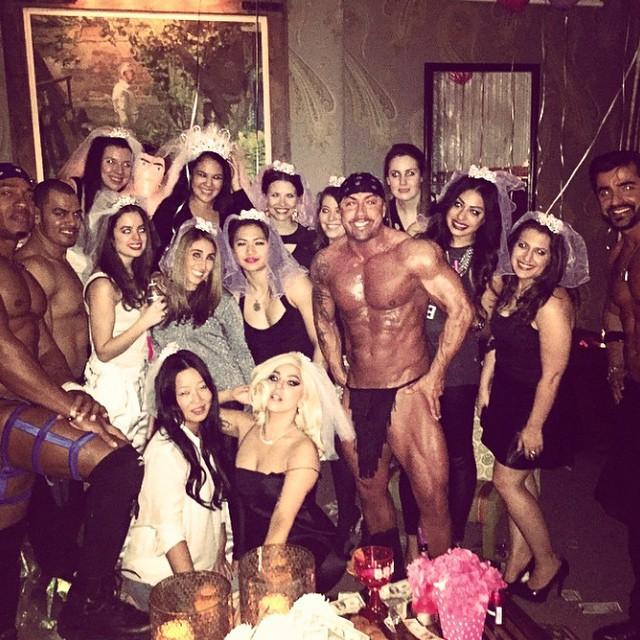 lady-gaga-despedida-de-soltera-strippers